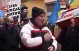 Revoluţionarii continuă protestele